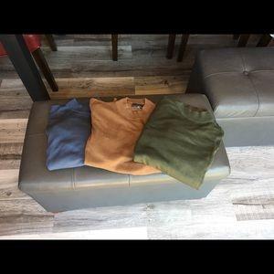Men's size M cotton crew neck shirts